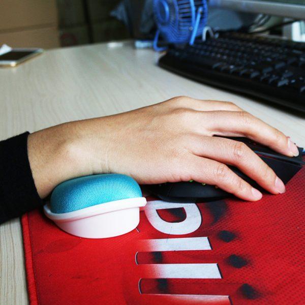 Repose poignet mobile pour souris d'ordinateur