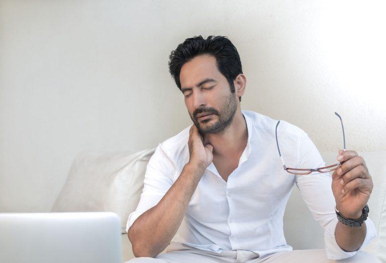 douleurs aux cervicales et mal de dos